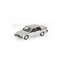 MINICHAMPS 400120461 ALFA ROMEO 75 3.0 V6 AMERICA 1987 SILVER 1.43