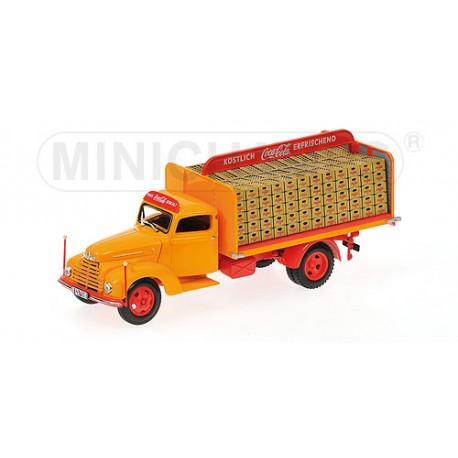 MINICHAMPS 439087050 FORD FK3500 1951 COCA-COLA 1.43