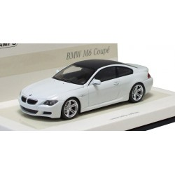 MINICHAMPS 436026120 BMW M6 COUPE 2007 BLANC 1.43