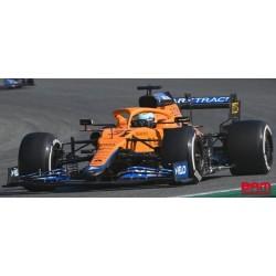 SPARK 18S602 MCLAREN MCL35M N°3 McLaren Vainqueur GP Italie 2021 Daniel Ricciardo avec Pit Board