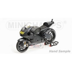 MINICHAMPS 122110876 DUCATI GP 2011 No46 ROSSI
