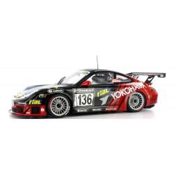 AUTOART 80571 PORSCHE 911 GT3 RSR 2005 Yokohama Standmodell 1.18