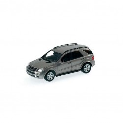 MINICHAMPS 400034570 MERCEDES ML63 AMG SILVER 1.43